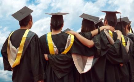 Universidade australiana oferece bolsas para Graduação e PósGraduação